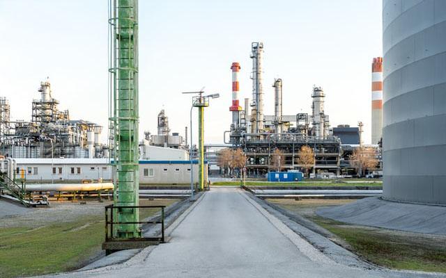 oil gas plant